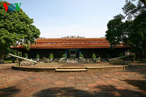 Long An Palace - Hue Royal Antiquities Museum and the precious treasures