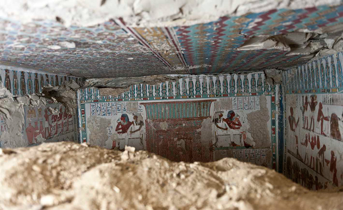Tomb of Amun gate's guard uncovered in Luxor