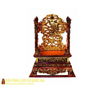 Collection of gilded wooden furniture